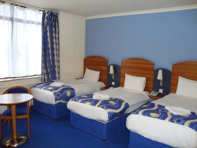 En-suite-Triple-room